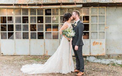 Oak Creek Barn Wedding Venue